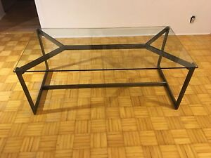 Chic glass coffee table with metal base