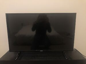 32 INCH LIGHTLY USED RCA TV
