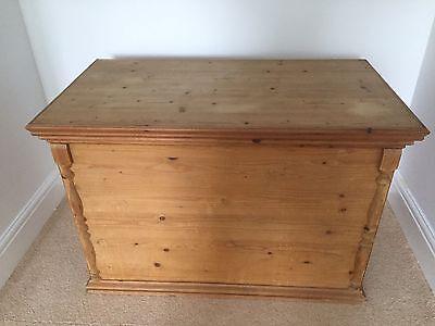 pine chest blanket box