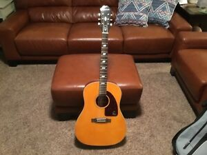 Epiphone Inspired by 1964 Texan Acoustic/Electric Guitar