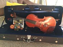 Full Size Violin + Case + Rosin Manly Manly Area Preview