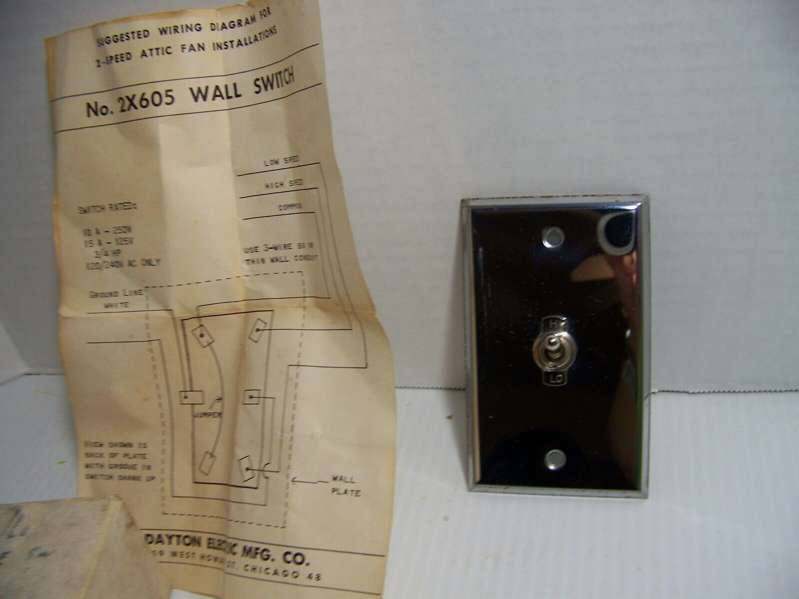 Dayton Hi-LO Toggle Control Switch Built-In Wall Plate 2x605 NEW - $9.99