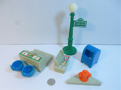 VTG Fisher-Price Little People Play Family Sesame Street #938 Accessories LOT