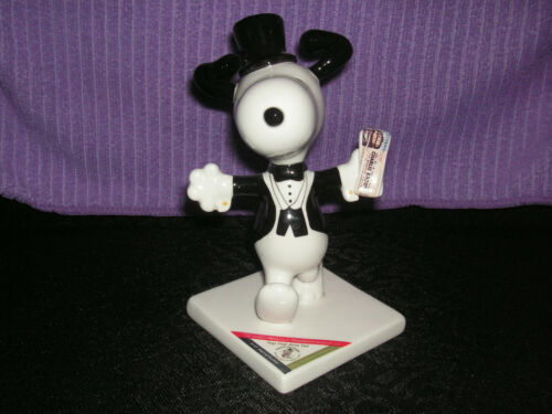 Snoopy Westland Peanuts on Parade Top Hat and Tail Figurine