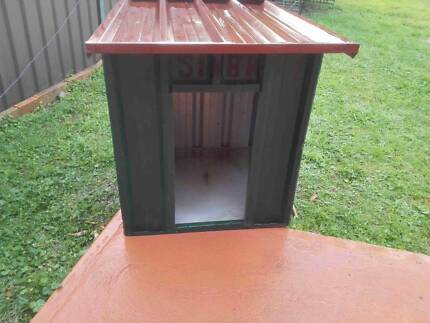 Dog kennel   (best offers) Lansvale Liverpool Area Preview