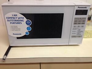 Like-new microwave Westmead Parramatta Area Preview