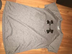Women's Underarmour clothing