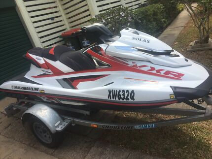 Yamaha VXR 2016 wave runner