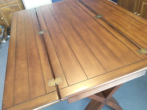 Dining table folds into desk, hall table, space saver, pikup 3064 Craigieburn Hume Area Preview