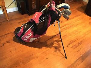 Women's Golf clubs. Almost New