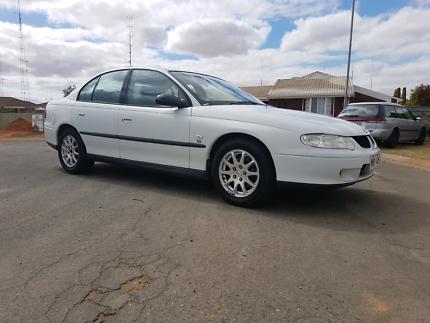 01 vx commodore sedan