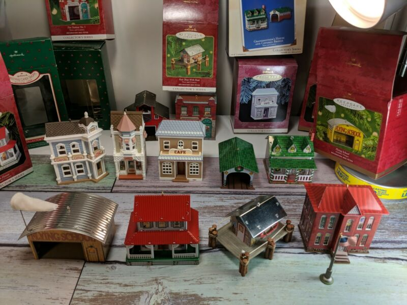 LOT OF 10 HALLMARK KEEPSAKE ORNAMENTS town and country houses and shops