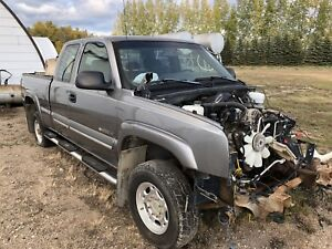 2006 ext cab 2500hd 4x4 for parts