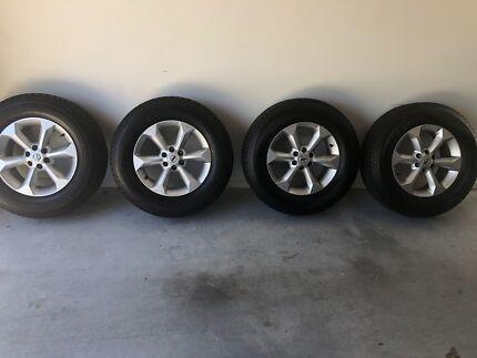 Bridgestone tyres 255/65 r70 Bridgestone dueler h/t 840 and Rims