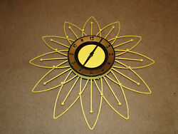 VINTAGE MID CENTURY WALL CLOCK SUNFLOWER BY BURWOOD MADE IN USA WORKS GREAT