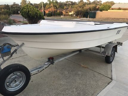 Licensed boat and trailer 4.5m project
