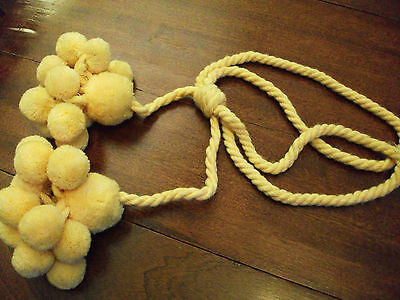 Curtain Tie-Back Houlès only to Double Cluster of Pompons Yellow Chick