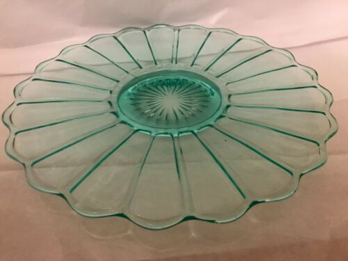 LOVELY ART DECO PINWHEEL FAN Green DEPRESSION GLASS circle plate platter 10.5""
