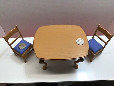 Miniature Dollhouse furniture. Table two chairs 2002 Bemelmans DIC Entertainment