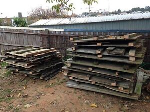 27lm of Hardwood Pailings fence panels 1.4m tall Warragul Baw Baw Area Preview