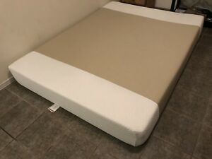 Brand new memory foam queen mattress / matelas - delivery