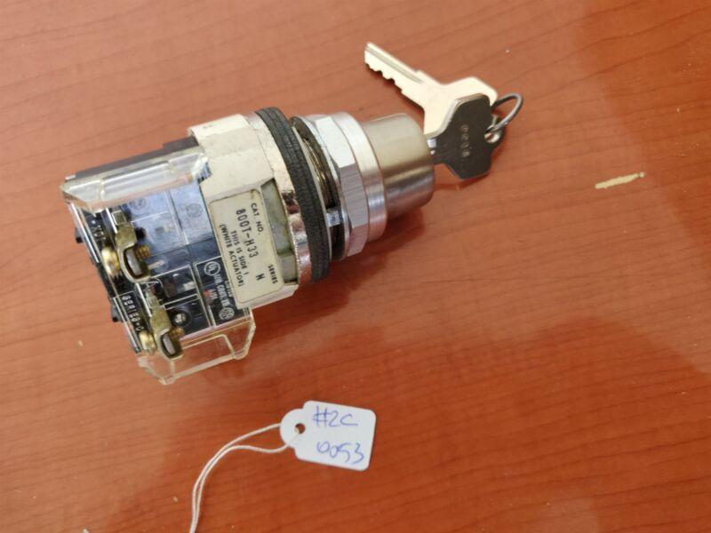 Allen Bradley 800T-H33 Keyed Selector Switch - New w/ 2 Keys