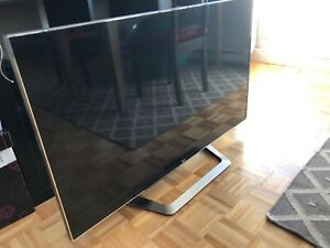 "LG 47"" LM9600 LED 3D TV mint condition"