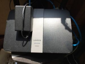 Linksys router with 4 10/100/1000 ethernet ports