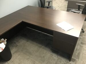 LARGE OFFICE TABLES/OFFICE DESKS FOR SALE.