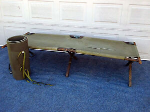 VINTAGE GREEN MILITARY FOLDOUT FOLDING CANVAS / WOOD ARMY CAMPING  COT !!