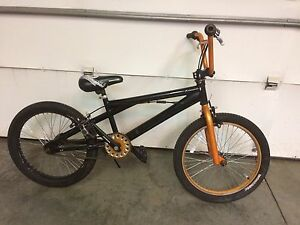 2 kids bikes 20 inch tires boys and girls $60 each