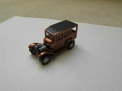 HOT WHEELS 1968 CLASSIC 31 FORD WOODY MATEL RED LINE HONG KONG  RESTORED