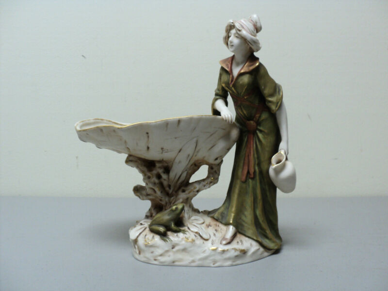 ANTIQUE ROYAL DUX BOHEMIA FIGURAL DISH / TRAY, WOMAN AT SHELL BASIN with FROG