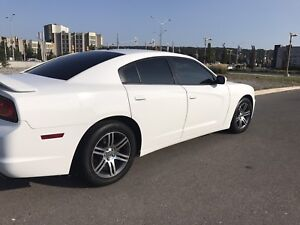 2014 Dodge Charger low km's!