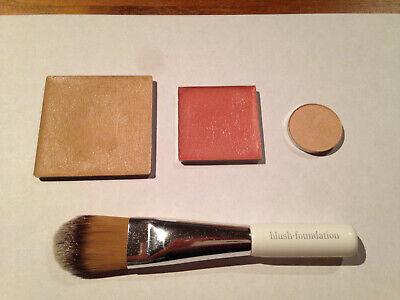 Kjaer Weis Foundation Just Sheer, Blush Blossoming, Shadow Cloud Nine, Brush