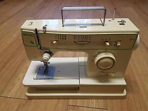 Singer Magic 22 Sewing Machine + Cover, Manual, Tools Hope Valley Tea Tree Gully Area Preview