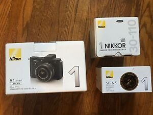Nikon 1 V1 Lens Kit and External Flash With Camera Bag