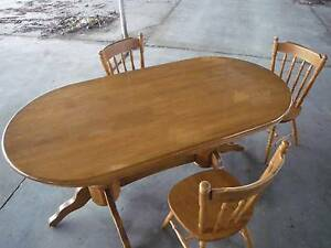 Pedastal Dining Table   Solid timber Fremantle Fremantle Area Preview