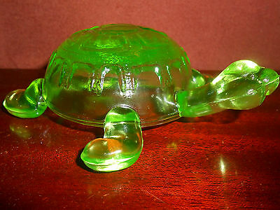 Green Vaseline glass Turtle uranium yellow canary candy container tortoise ocean