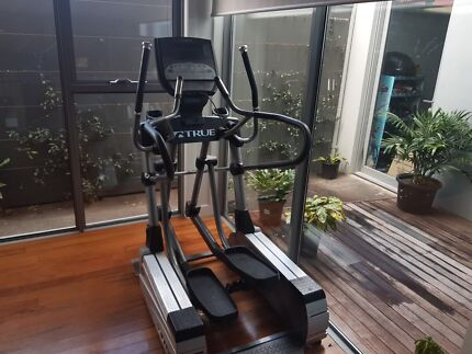 True fitness cross trainer Ellipitical cs800 commercial