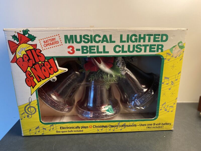 Vintage CAROLITES MUSICAL   Bells Of Noel 3 Cluster In Box 1980