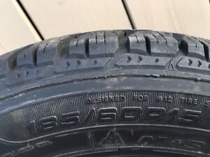 4 winter tires / 4 Pneus d'hiver - Good Year 185/60/R15