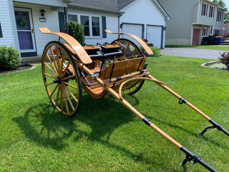 Beautiful wooden Meadowbrook cart, two wheel cart, lancaster county amish made