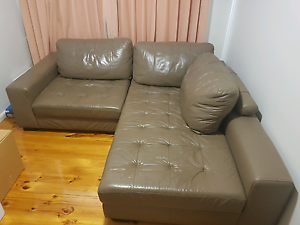Leather lounge/ sofa Downer North Canberra Preview