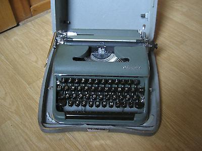 Reiseschreibmaschine, Schreibmaschine, Olympia