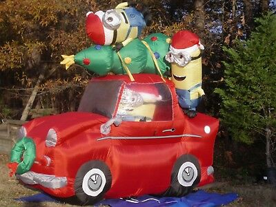 Gemmy 6' Christmas Tree Lighted Minions in Car Airblown Inflatable Blow-up-NICE