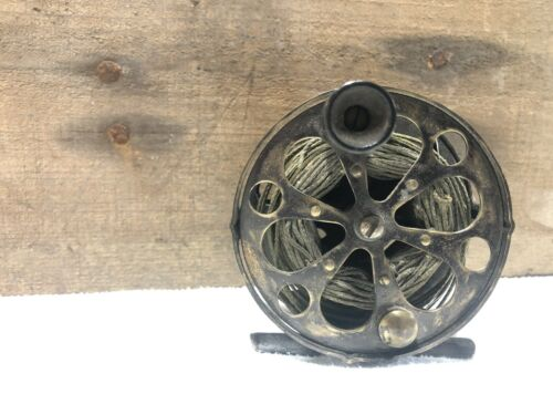Vintage Featherlight No. 290 Fly Fishing Reel