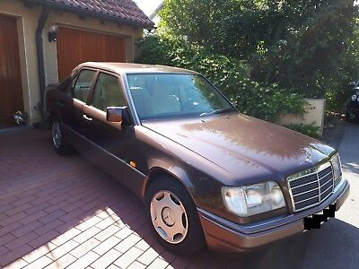 Mercedes Benz W124 E200, Benziner, Limousine, in gutem Zustand