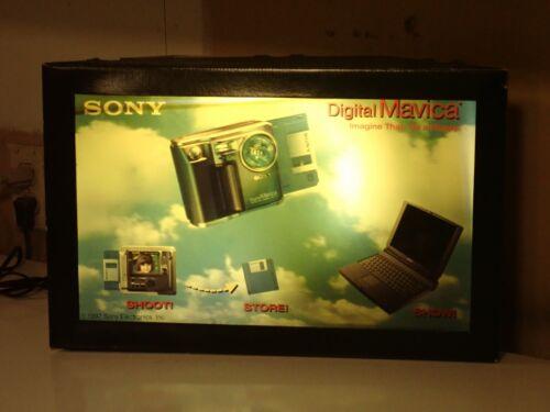 Sony Mavica Camera Floruescent Hologram 3D Display, works well