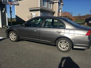 2005 Honda Civic with 2 sets of tires 154k